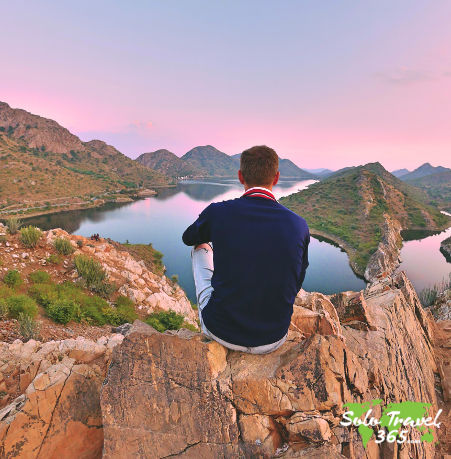 Does Solo Traveling Get Lonely as an extrovert solo travler